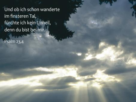 107 Sterbebild Licht im Himmel
